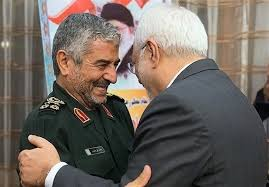 واکنشهای گسترده به توییت ظریف درباره سپاه