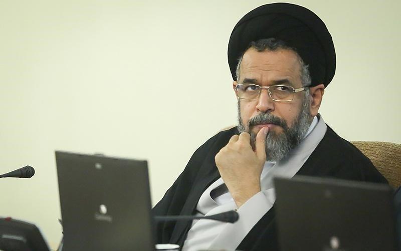 جزئیات تجمع مقابل مقبره کوروش از زبان وزیر اطلاعات