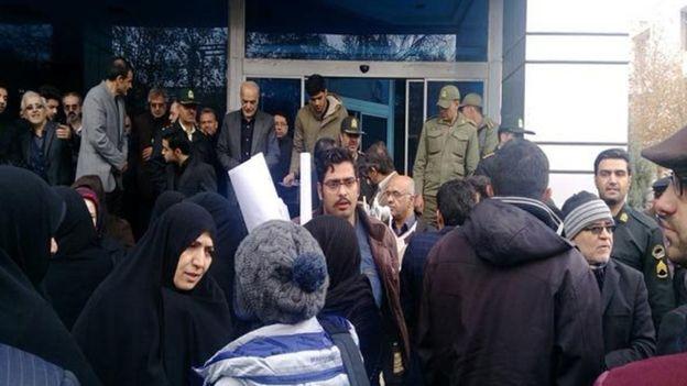 گزارش مجلس از لغو سخنرانی مطهری در مشهدقرائت شد