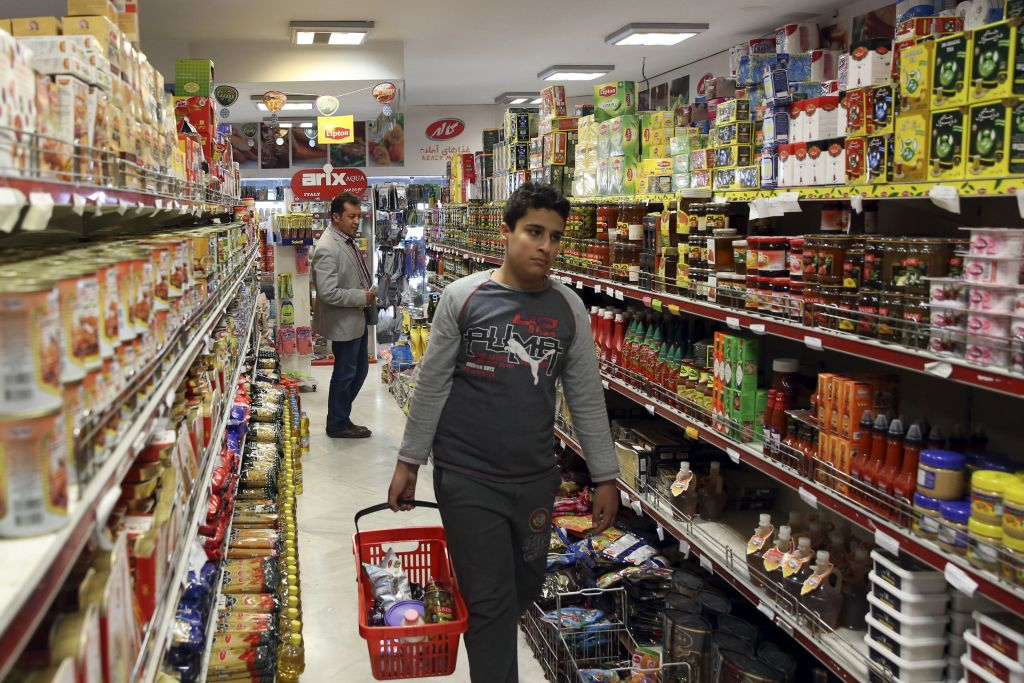 پلمپ ۲۰ سوپرمارکت توزیع کننده مشروب الکلی