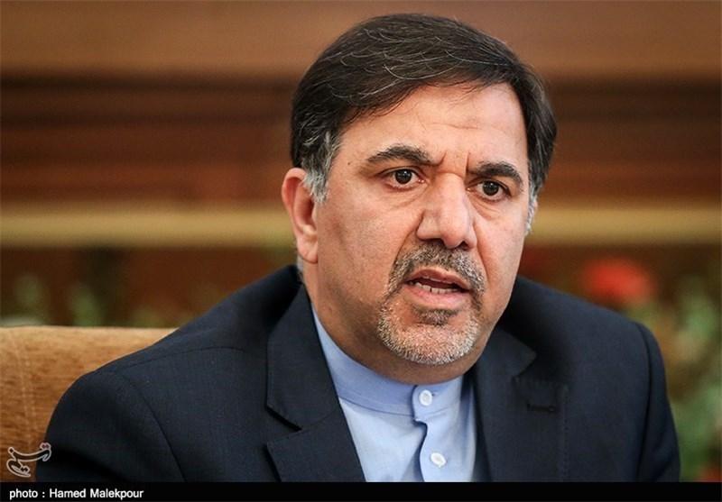 آخوندی در جواب قالیباف: برای گمراه کردن مردم هر روز یک پوستین وارانه بپوشید
