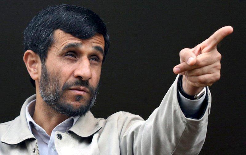 تهدید احمدی نژاد به افشای « توطئه ها»