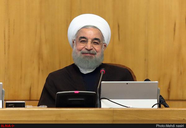 روحانی: فضای مجازی را نمی توان از زندگی مردم حذف کرد