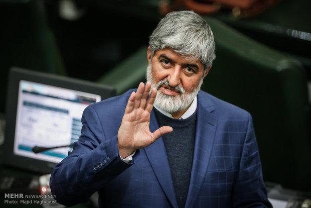 نظر مطهری درباره دسترسی احمدی نژاد به پرونده های وزارت اطلاعات در زمان سرپرستی