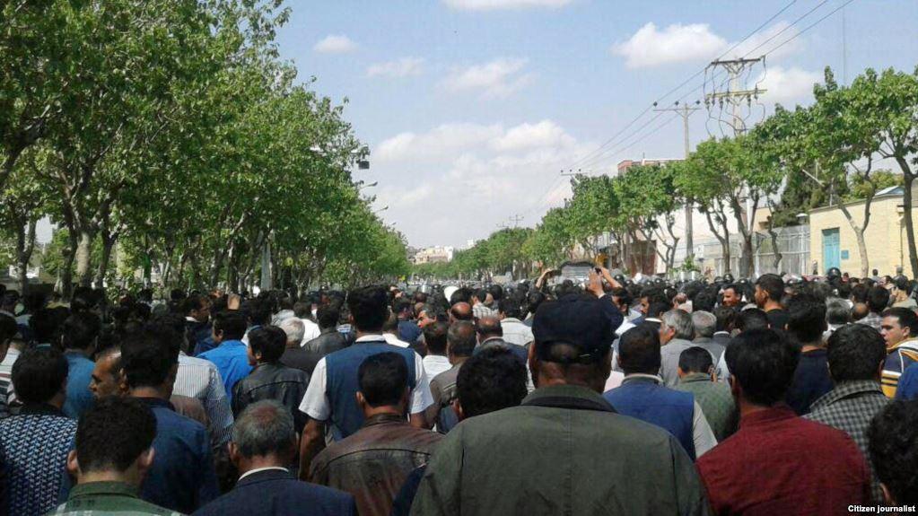 تجمع دوباره کشاورزان اصفهانی در اعتراض به وضعیت آب